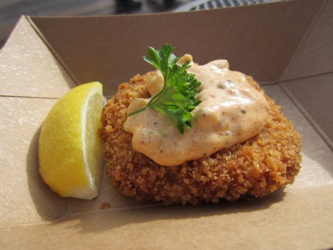 Classic Crab Cake with lemon tartar sauce from Mistletoe Morsels